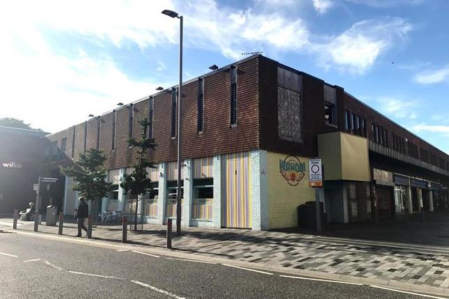 Thumbnail Retail premises to let in Old Market Place, Grimsby, North East Lincolnshire