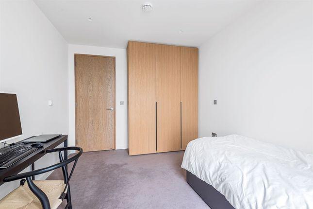 Bedroom of The Lighterman, Pilot Walk, Lower Riverside, Greenwich Peninsula SE10
