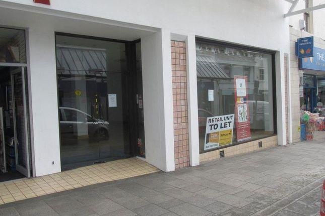 Retail premises to let in Union Street, Torquay
