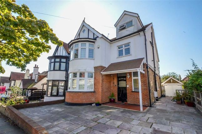 Thumbnail Flat for sale in Kings Road, Westcliff-On-Sea, Essex