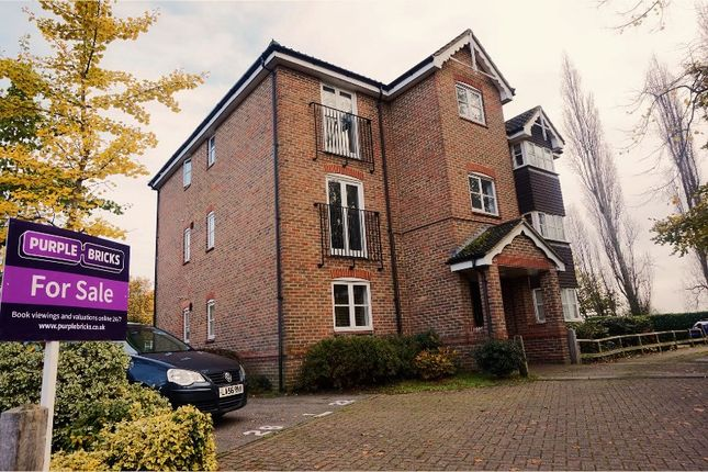 Thumbnail Flat for sale in School House Gardens, Loughton
