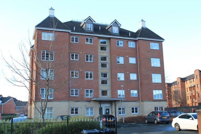 Thumbnail Flat to rent in Benn Avenue, Paisley