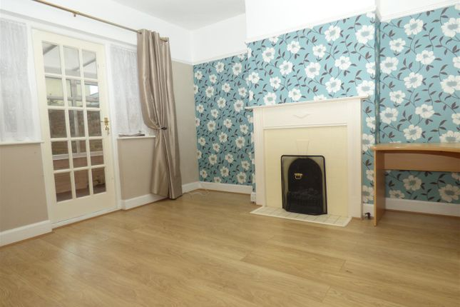 Thumbnail Property to rent in Ingoldsby Road, Folkestone