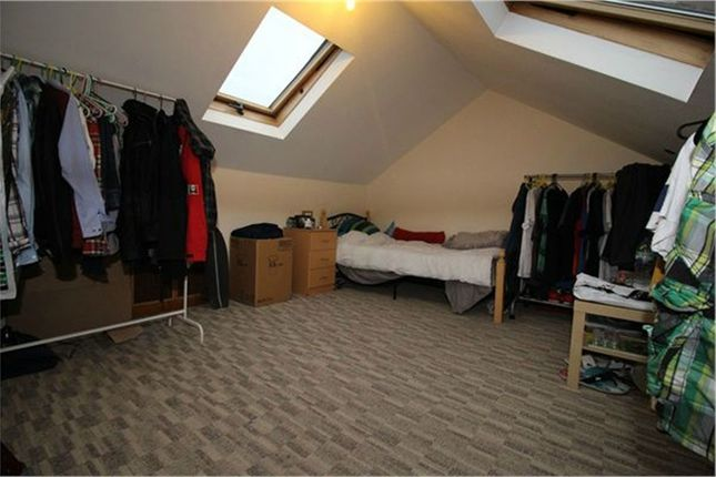 Thumbnail Flat to rent in Cedars Avenue, London