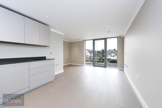 2 bed flat to rent in Epsom Court, Hope Close, Hendon, London