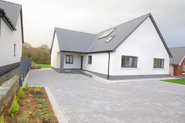 Thumbnail Detached bungalow for sale in Saron Road, Pentre-Cwrt, Llandysul