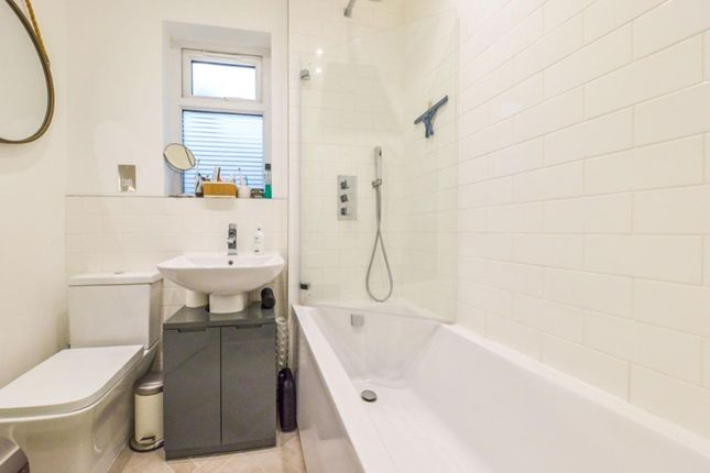 Bathroom of Millais Road, Enfield EN1
