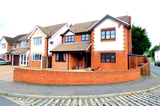 5 bed detached house for sale in Dandridge Close, Langley, Berkshire