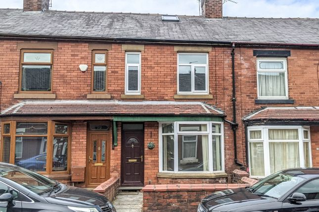 3 bed terraced house to rent in Hollinhall Street, Oldham OL4