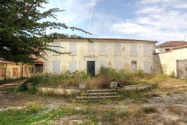8 bed property for sale in Neuvicq-Le-Chateau, Poitou-Charentes, France