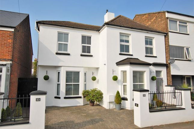 Thumbnail Detached house for sale in Victoria Road, Hythe
