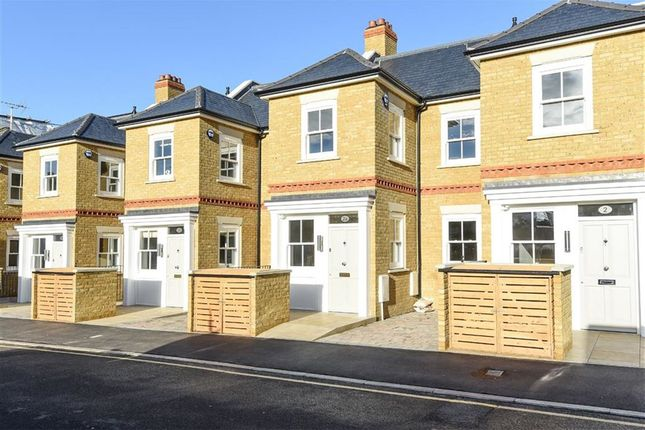 Thumbnail Terraced house for sale in Elton Road, Kingston Upon Thames