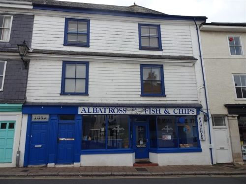 Thumbnail Flat for sale in Totnes, Devon