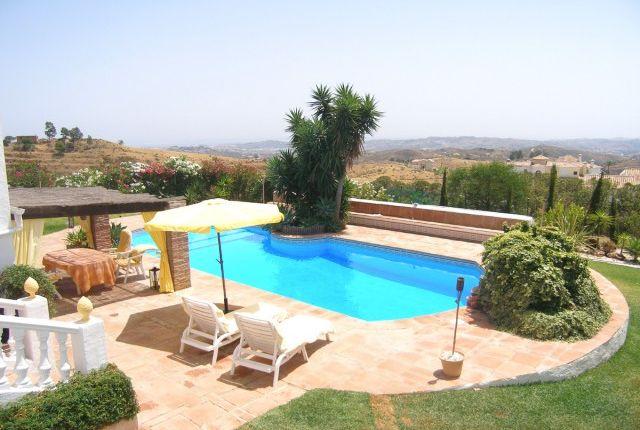 Pool, Gardens & Views