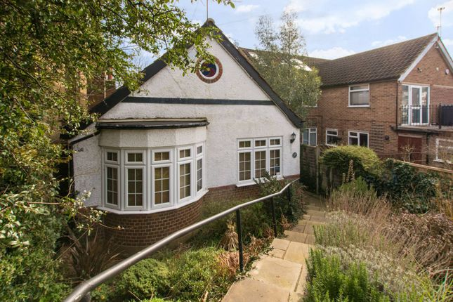 Thumbnail Bungalow to rent in Crescent Road, East Barnet, Barnet