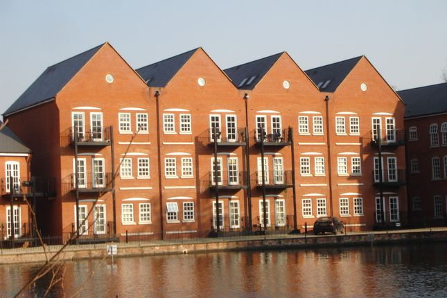 Thumbnail Flat to rent in Waterside Lane, Colchester