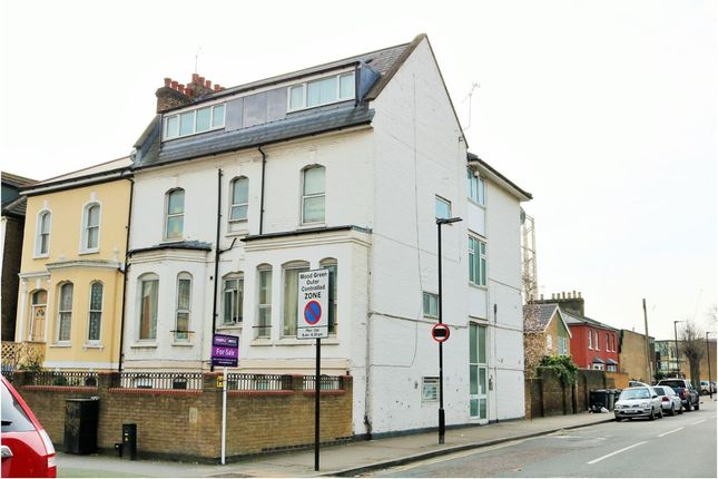 Thumbnail Flat for sale in Mayes Road, Wood Green