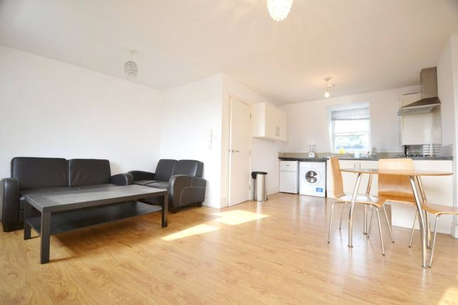 Thumbnail Flat to rent in St. Thomas's Road, Finsbury Park, London