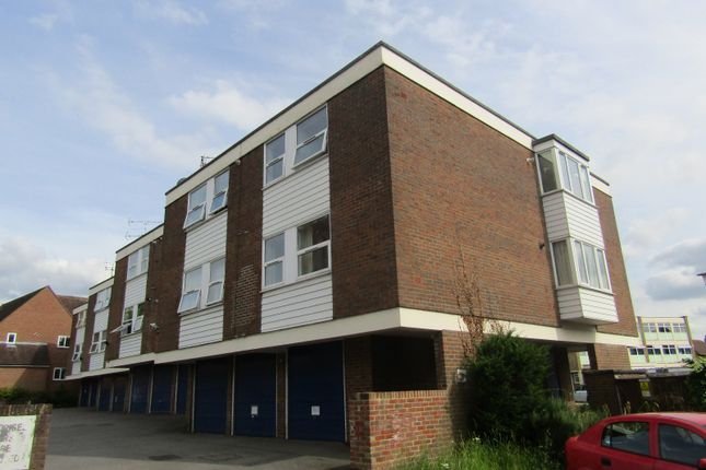 Thumbnail Flat to rent in The Limes, Ingatestone, Essex