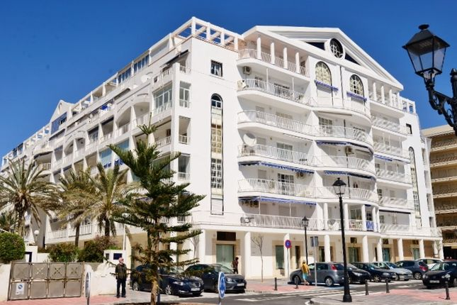 3 bed apartment for sale in Calle Churraca, Fuengirola, Málaga, Andalusia, Spain