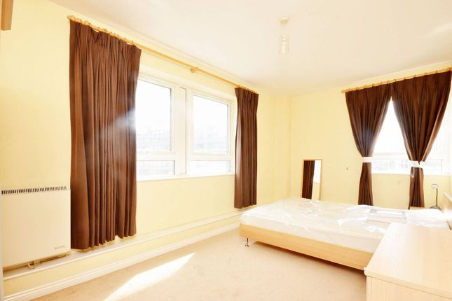 2 bed flat to rent in Aldersgate Street, City