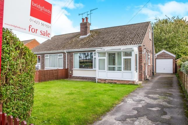 Thumbnail Bungalow for sale in Hillbank Grove, Harrogate, North Yorkshire
