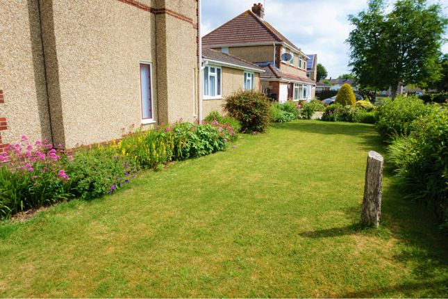Front Garden of Highclere Avenue, Swindon SN3