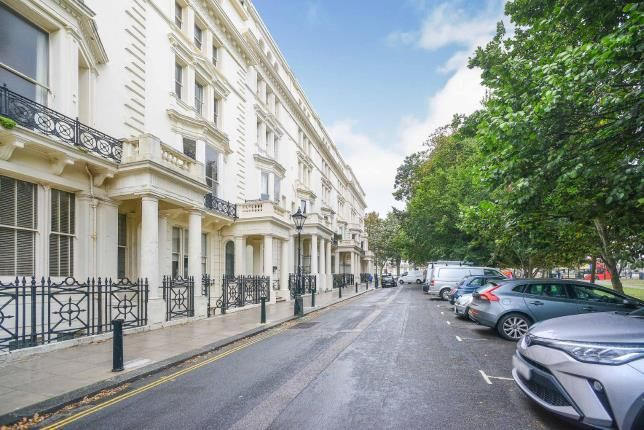 Thumbnail Flat for sale in Palmeira Square, Hove, East Sussex