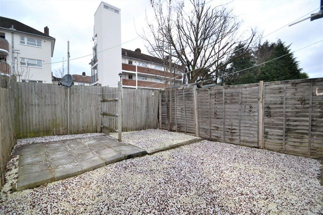 Thumbnail Flat to rent in Oldfield Road, London