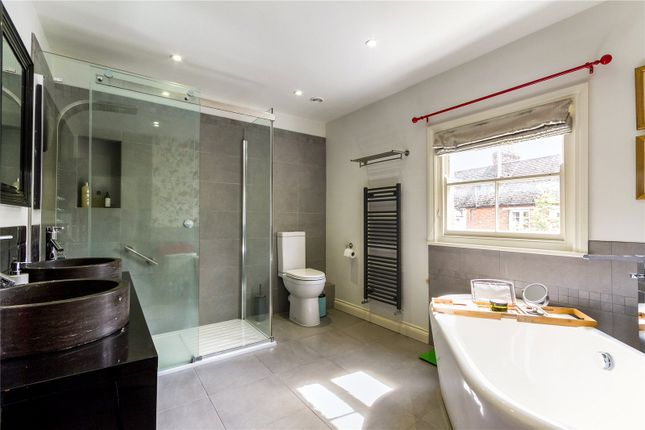 En Suite of West Street, Henley-On-Thames, Oxfordshire RG9