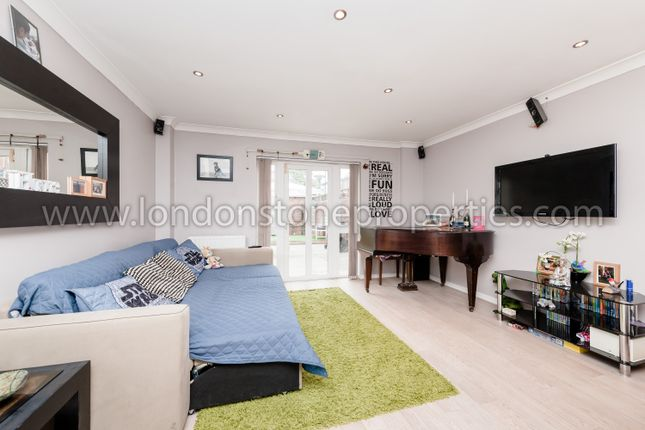 2 bed end terrace house for sale in Hardinge Crescent, London