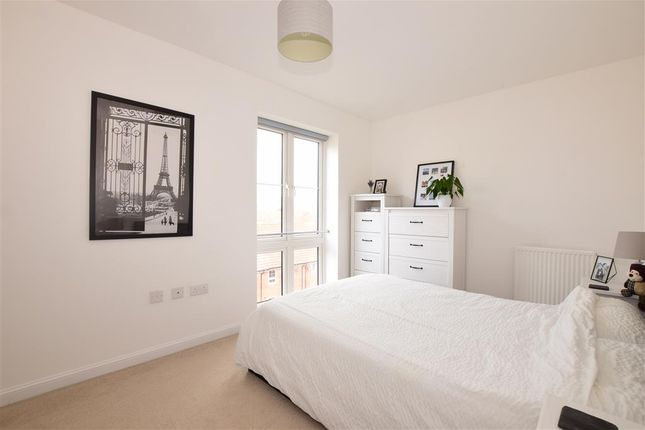Thumbnail Flat for sale in Cambrian Way, Goring By Sea, Worthing, West Sussex