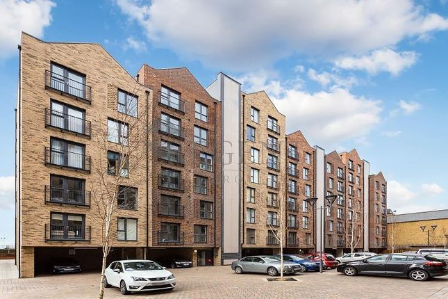 2 bed flat for sale in Sharleston Court, Abbey Road IG11