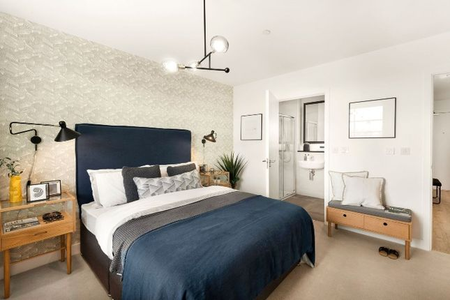 Thumbnail Flat for sale in Lea Bridge Road, London