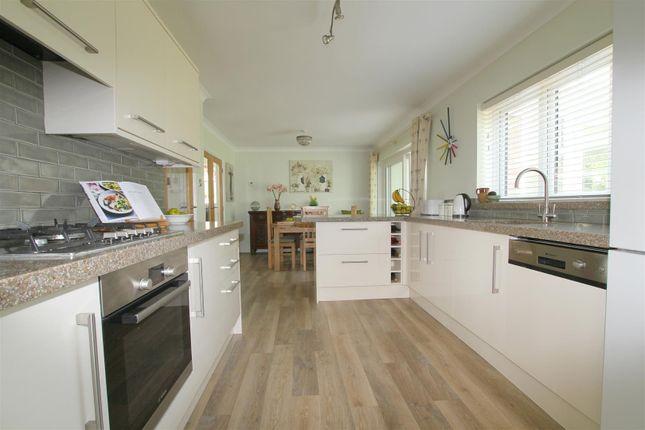 Kitchen - Breakfast Room.Png
