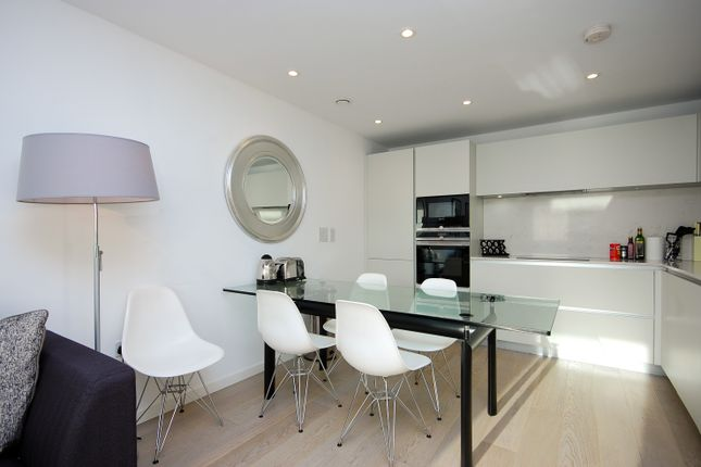 Thumbnail Flat for sale in New North Road, London