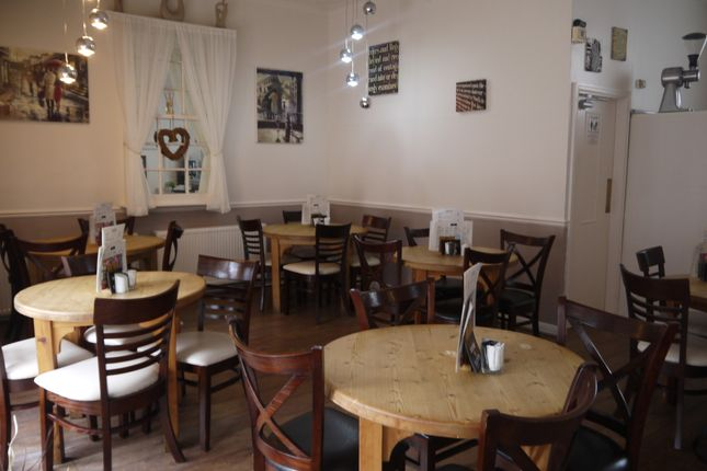 Thumbnail Restaurant/cafe for sale in Cafe & Sandwich Bars HU17, East Yorkshire