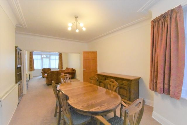 4 bed semi-detached house to rent in Creighton Avenue, East Finchley, London N2