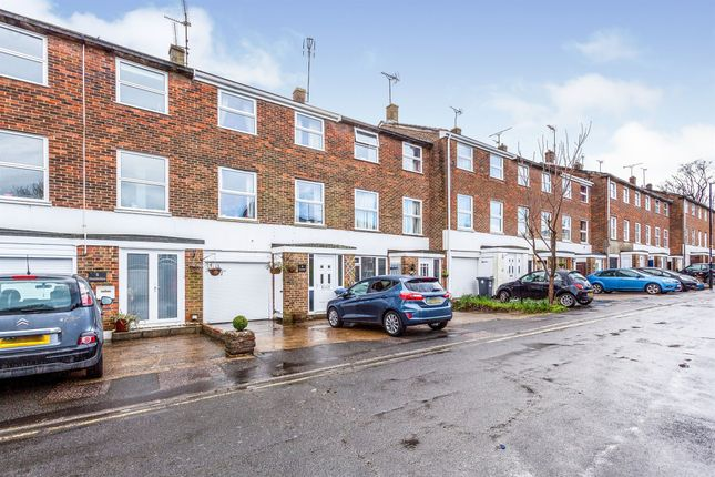 Thumbnail Town house for sale in Doubledays, Burgess Hill