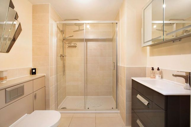 Bathroom of Pincombe Court, Buckingham Close, Exmouth EX8