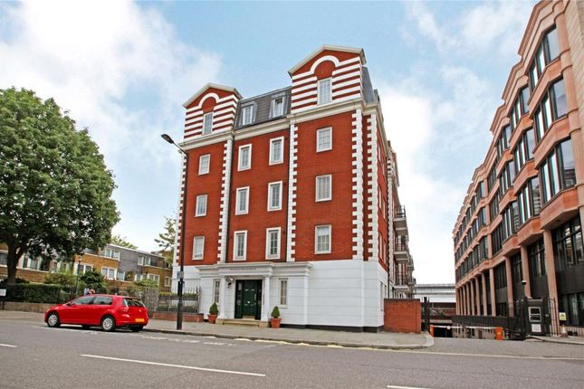 2 bed flat for sale in Harewood Avenue, London