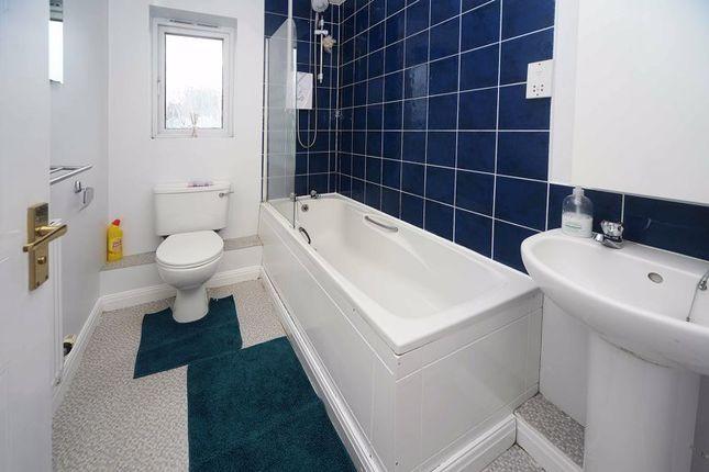 Bathroom of Greetland Drive, Blackley, Manchester M9
