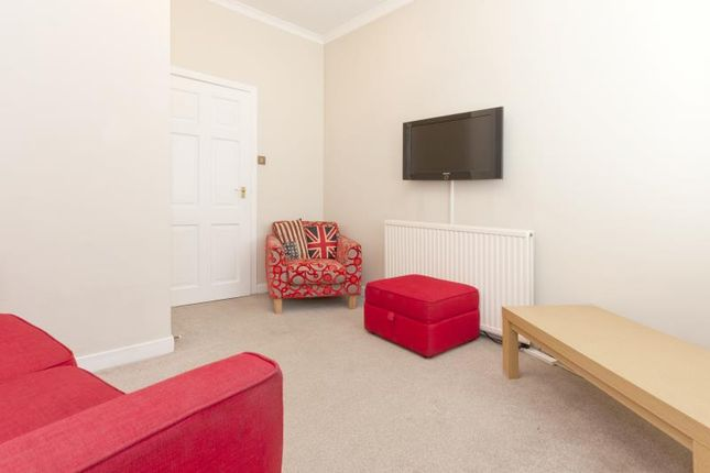 Thumbnail Flat to rent in 37 Rosemount Place, Aberdeen