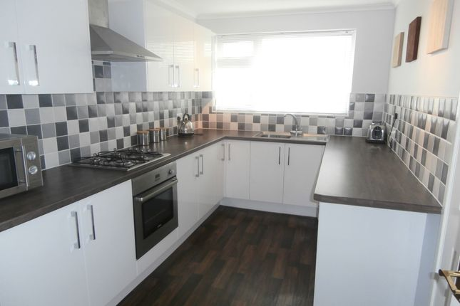 Thumbnail Flat to rent in Bridgeacre Gardens, Room 1, Coventry
