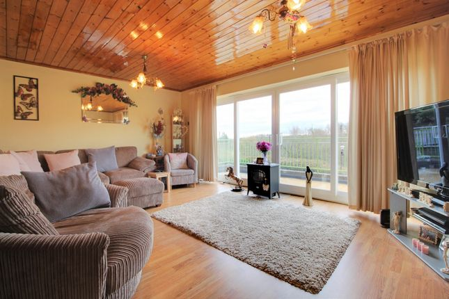 Thumbnail Detached house for sale in Lower Way, Thatcham, West Berkshire