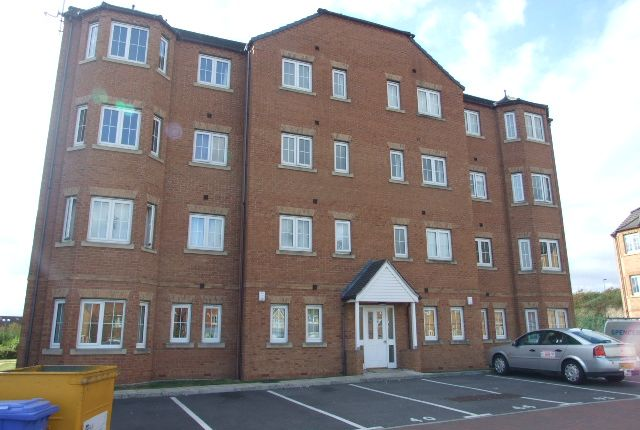 Thumbnail Flat for sale in Chandlers Court, Victoria Dock, Hull