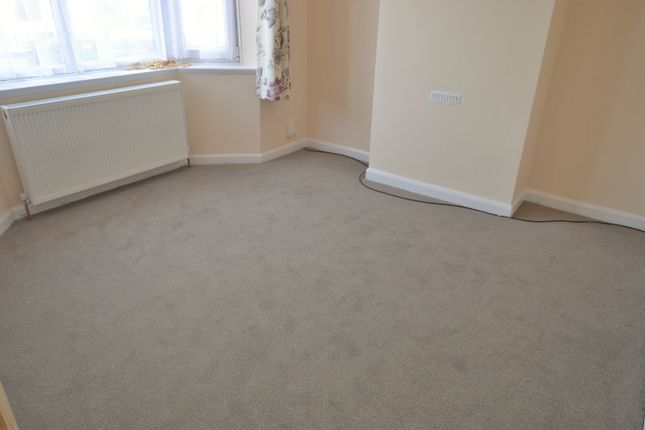Thumbnail End terrace house to rent in Aylesbury Crescent, Slough, Berkshire