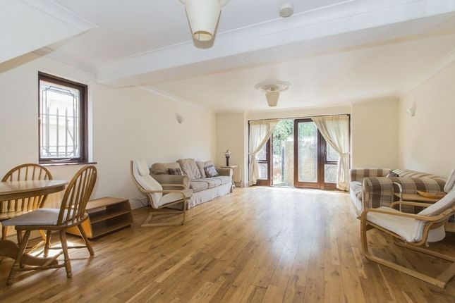 Thumbnail Terraced house to rent in Westferry Road, London