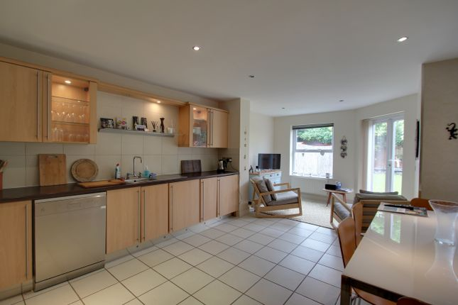 Thumbnail Semi-detached house to rent in South Knighton Road, Leicester