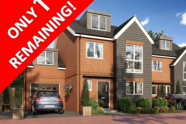 Thumbnail Detached house for sale in The Hollies, Hurst Green, Oxted